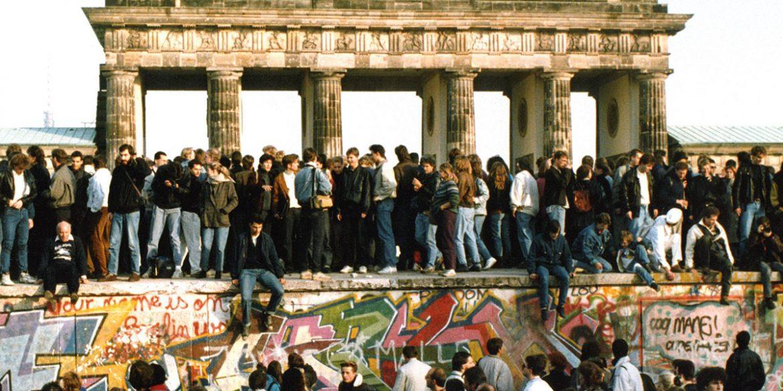 A berlini fal lerombolásáról