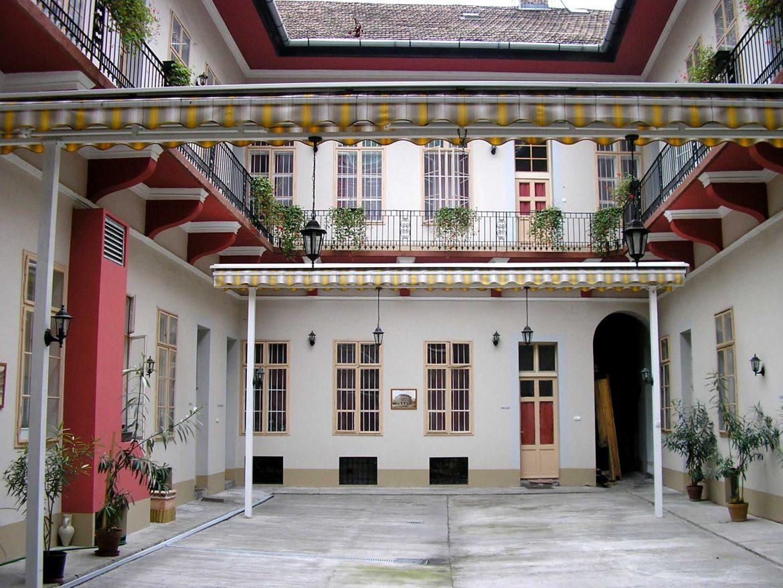 Ferencváros, az irodalmárok lakhelye